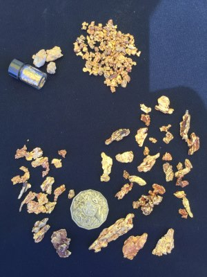 <br>Harros gold nuggets